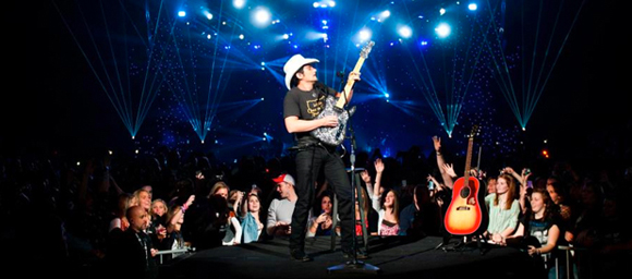 Brad Paisley, Tyler Farr & Maddie and Tae at Blossom Music Center